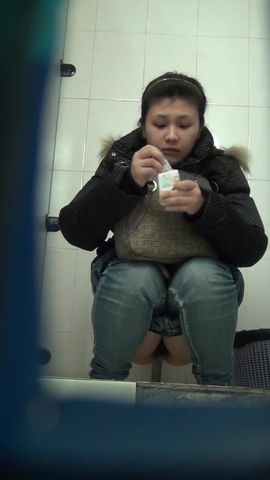 商场厕拍系列 皮裤妹子下面很干净